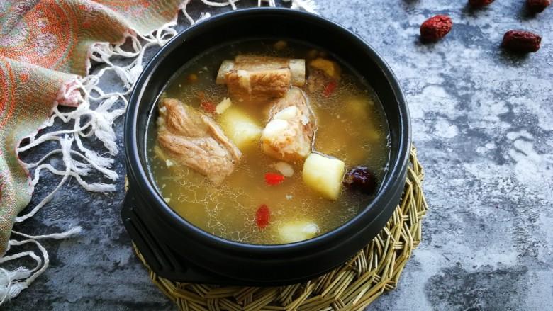 初冬山药排骨汤,一碗滋补暖身汤,做好了。最适合我这样的小白学了。