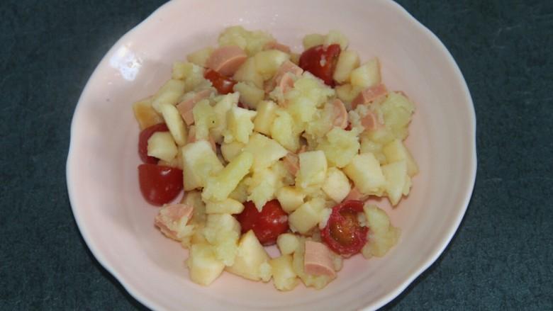 土豆泥沙拉,拌匀
