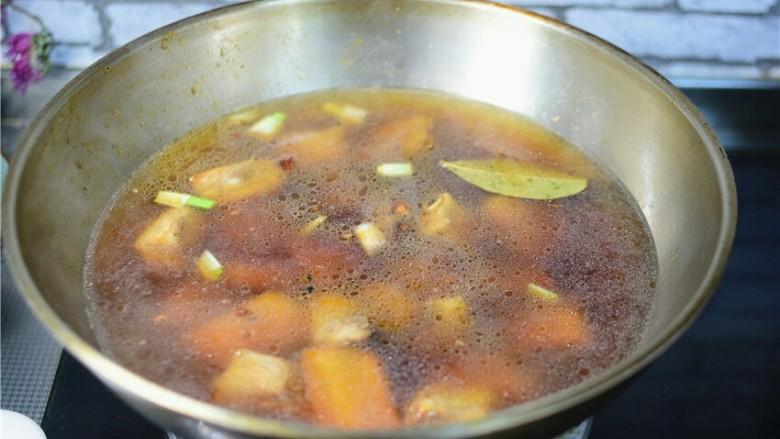 红烧土豆排骨,加适量的热水