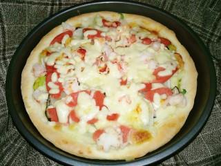 鲜虾杂蔬披萨,满满的配料看着就满足