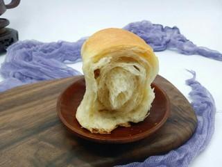最爱面包+葡萄干小面包,内组织很好,极其松软。