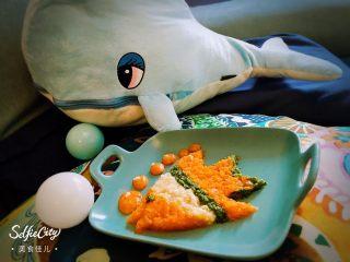 嬰兒造型輔食@@快樂的小魚 「9個月以上寶寶」,吃這種分開擺的輔食,我們可以一邊給寶貝吃,一邊講這是哪一種食物,是什么顏色,讓寶貝體會每一樣食材的口感和味道。寶貝如果會說話,也許會和小伙伴說,昨天我吃了一盤彩虹,今天我吃了一條熱帶魚。那多有意思。
