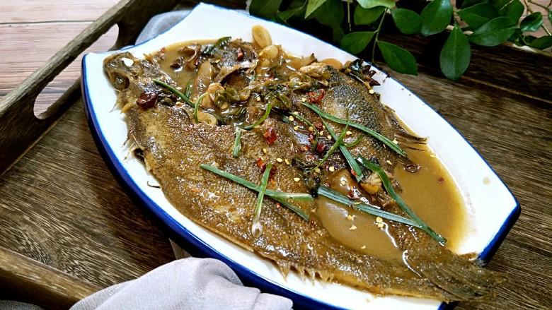 红烧鱼,装盘上桌,高大上吧,鲜美的很。