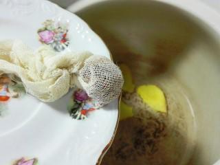 天太冷了~喝碗花椒萝卜骨头汤,放花椒纱布包