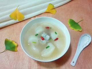 天太冷了~喝碗花椒萝卜骨头汤,喝碗暖和和的花椒萝卜骨头汤!😋