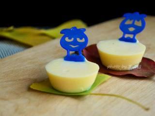 奶酪棒,做好的奶酪棒,个头小巧可爱,用的手持棒萌萌的,所以小家伙看见好喜欢的。