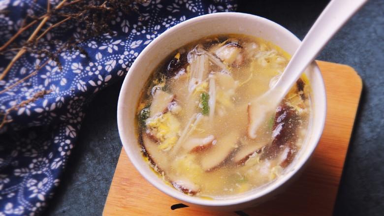 双菇蛋花汤,好了,特别鲜美