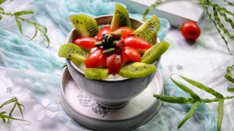 酸奶水果捞,美美的下午茶,开动吧~