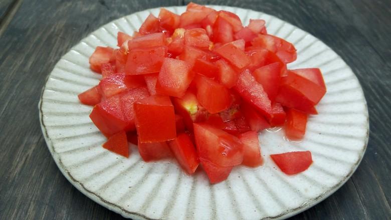 一碗面条+番茄鸡蛋粉,<a style='color:red;display:inline-block;' href='/shicai/ 59'>番茄</a>切小丁
