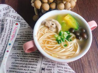 #一碗面条#三鲜森林蘑菇肉丝面