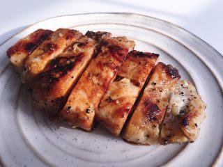 超嫩的蒜香蜂蜜煎鸡胸肉