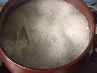 莲藕排骨汤,再次煮10分钟