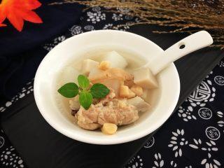 瑶柱沙虫杏鲍萝卜排骨汤 强身健体养生汤