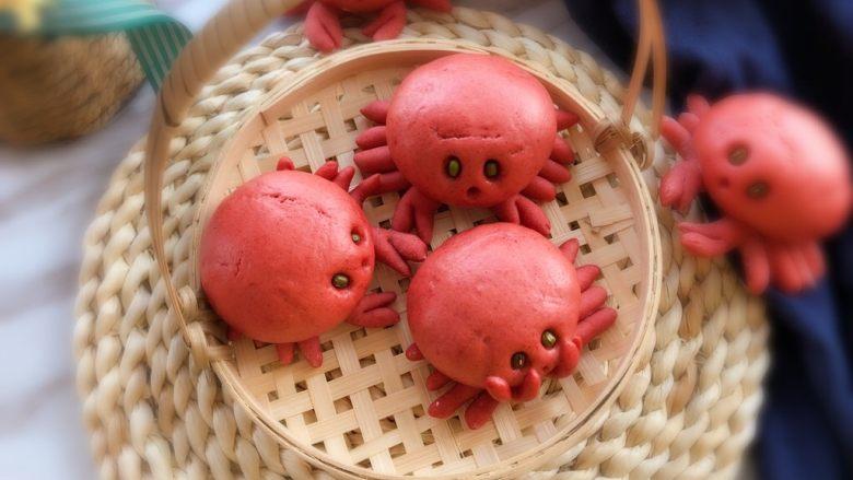 #最爱包子#小螃蟹豆沙包,红彤彤的清蒸大闸蟹,出锅!
