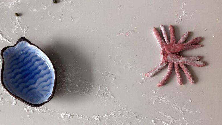 #最爱包子#小螃蟹豆沙包,在放上两个大钳子!