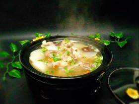 #感恩节食谱#黑山羊腿肉煲萝卜汤
