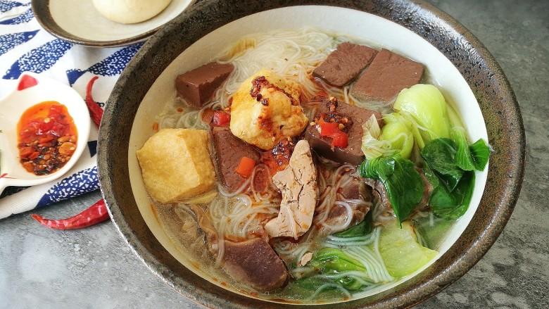 地方美食家里吃之鸭血粉丝汤