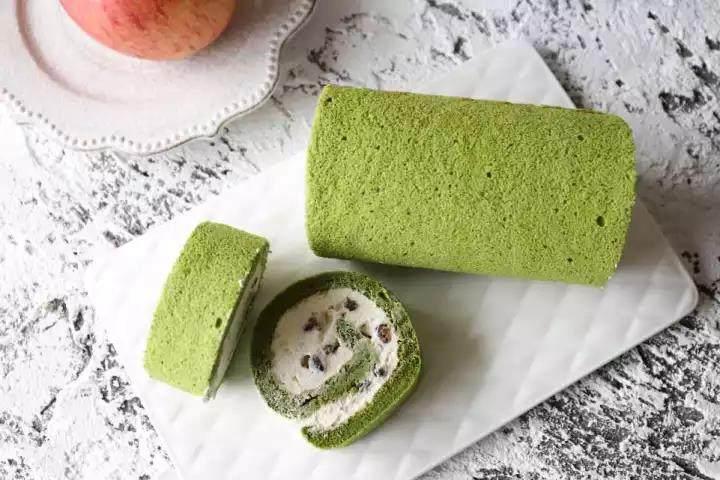 冬日的暖阳中,配一款小清新的蛋糕卷才是仙女的日常