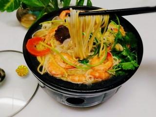 一碗面條+海鮮彩色面,成品圖,來來來友友們一起吃,????????