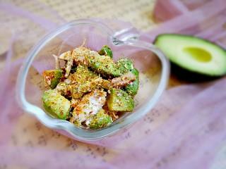 #感恩节食谱#桂花香辣鸡肉牛油果沙拉,敏茹意作品