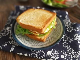 三明治,吃了就心情美丽一整天的三明治就做好啦😄