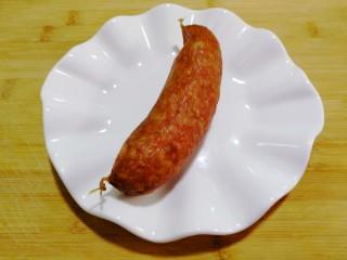 红肠油麦下饭菜,红肠一根(东北的特色红肠,美味无比,真心好吃!)