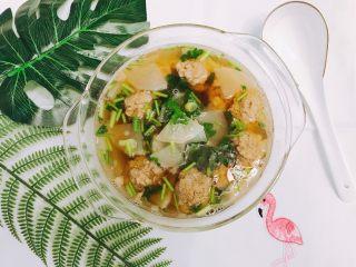 冬日暖胃菜之萝卜丸子汤