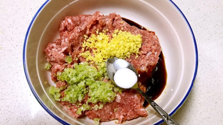 自制午餐肉,加入精盐