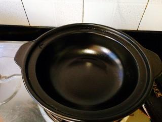 圆土豆+土豆烧排骨,准备一口干烧锅