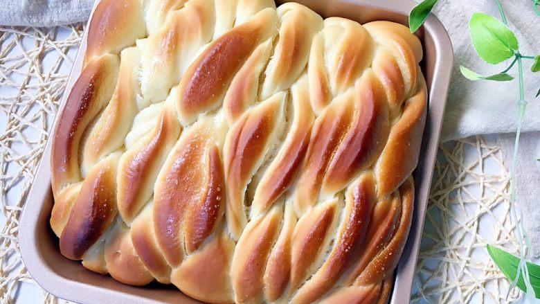 沙拉酱淡奶油面包