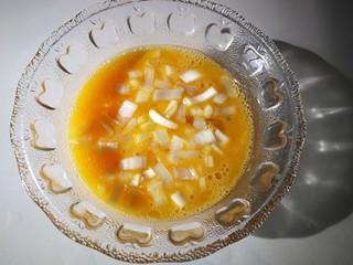 #感恩节食谱#尖椒鸡蛋,加入切好的葱花。