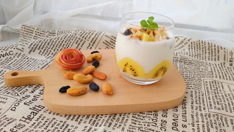 奇异果香蕉思慕雪,是不是很简单,特别好吃哦