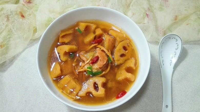 天冷还是喝汤~蛹虫草面藕脆骨汤