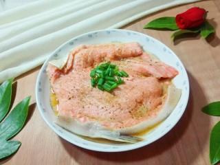 粉嘟嘟~椒盐三文鱼骨,粉嘟嘟的三文鱼好吃漂亮😋