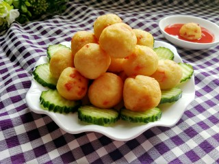 圆土豆  土豆丸子,成品图来一张,诱惑一下。