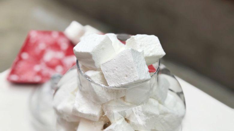 经典棉花糖,我一般放在玻璃盘里、放几天都没问题