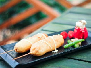 墨西哥玉米熱狗腸,擺盤,禮成。