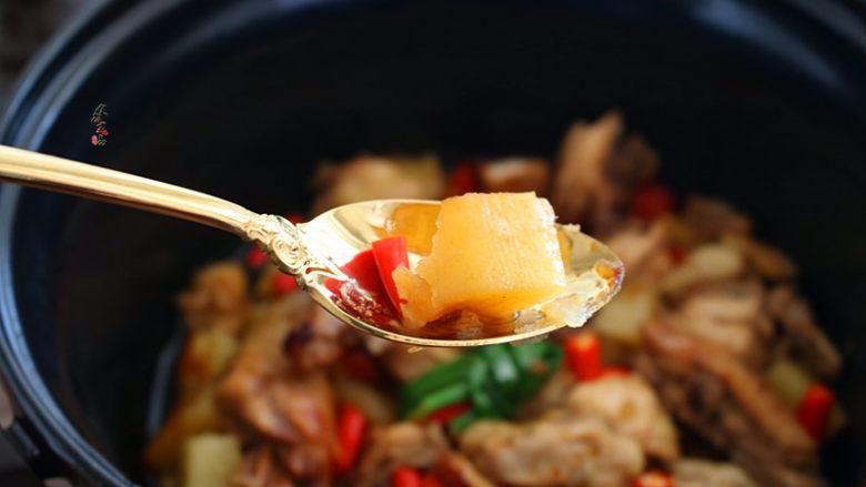 香辣土豆烧鸡,土豆绵软香糯太好吃了