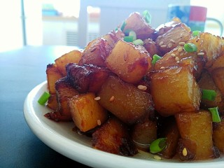 圆土豆+糖醋土豆丁,成品图