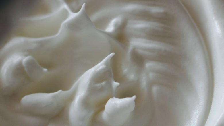 入口即化的原味溶豆,盆内拉起位置也有这样的小尖角。