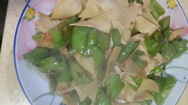 亲民菜尖椒豆皮