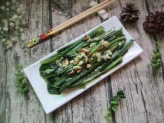 蒜蓉油麦菜,装盘上桌