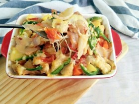 西红柿鸡肉焗饭