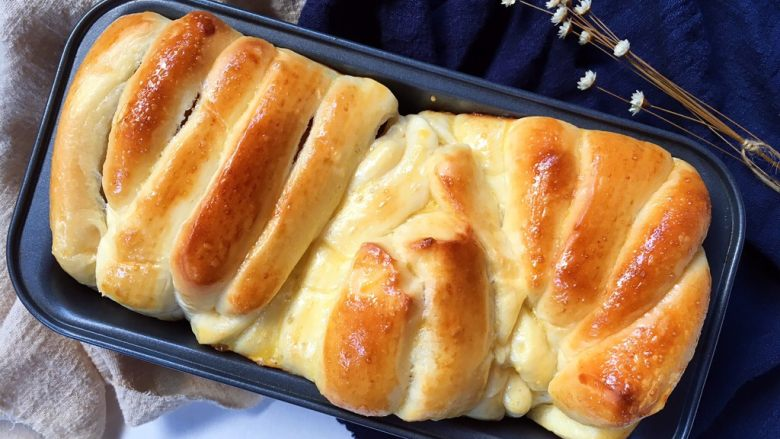 手撕沙拉酱面包