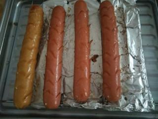 烤箱烤火腿肠,出炉