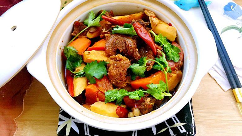 山药胡萝卜牛肉煲,成品
