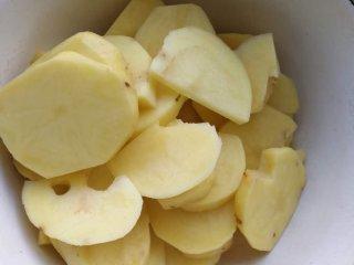 干锅土豆片,土豆切片