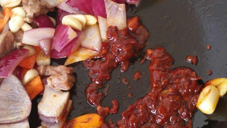 干锅土豆片,炒出红油