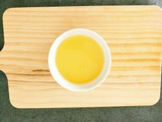 水蒸蛋,过滤好的鸡蛋液