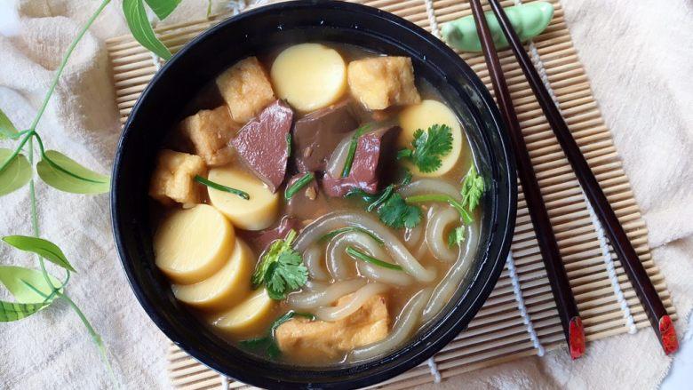 鸭血豆腐土豆粉煲